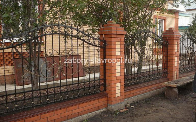 строительство заборов с ковкой в Ставрополе